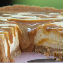 Cheesecake de dulce de leche y chocolate blanco