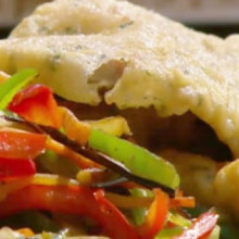 Escalopes marinera con vegetales asados