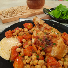 Pollo con tomates cherry y garbanzos